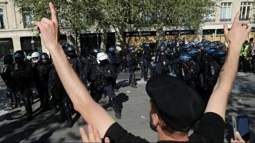 خودکشی کنید»؛ ادامه واکنشها در فرانسه به شعار جلیقه زردها علیه پلیس