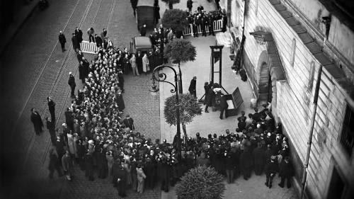 Vor genau 80 Jahren: Die letzte öffentliche Hinrichtung mit der Guillotine wurde zum Skandal
