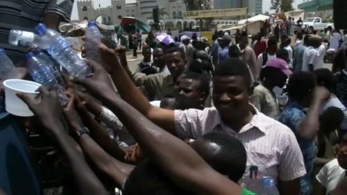 Blasting heat makes water a necessity for Sudan revolution