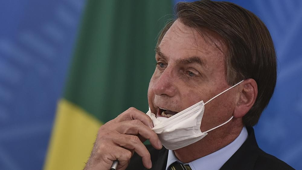 Coronavirus : Bolsonaro choque le Brésil en s'opposant au confinement