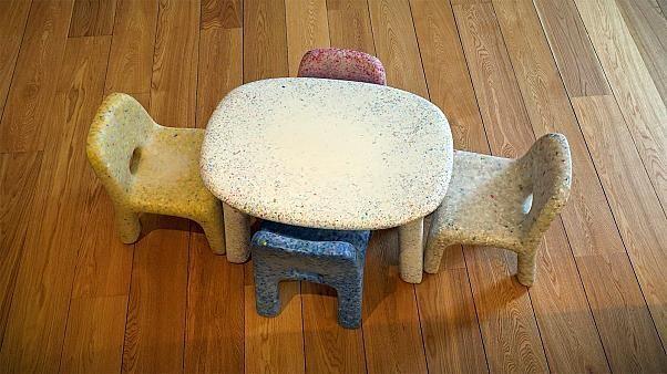 Tische, Stühle, Lampen: Belgische Firma macht Möbel aus altem Plastik