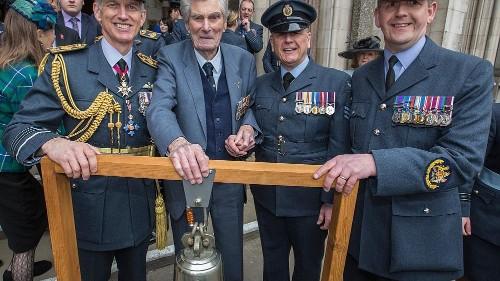 Paul Farnes, the last Battle of Britain flying ace, dies aged 101
