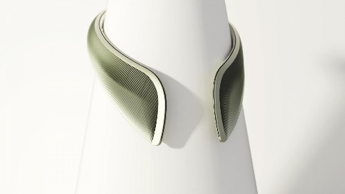 This collar creates your own clean air bubble protecting you from toxic pollutants