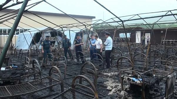 Russland: Vier Kinder sterben bei Brand in Zeltlager