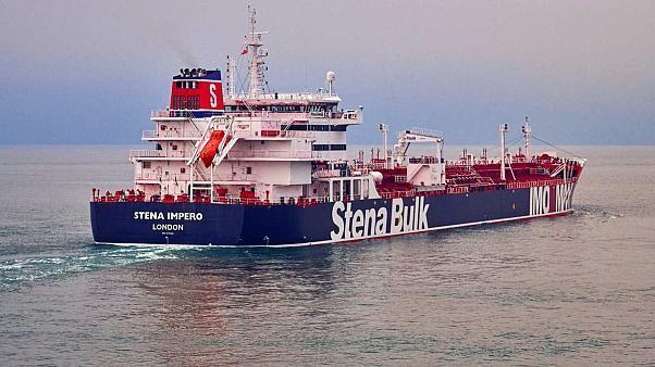 إيران: الناقلة البريطانية المحتجزة تورطت في حادث مع قارب صيد إيراني ونقلت إلى ميناء بندر عباس