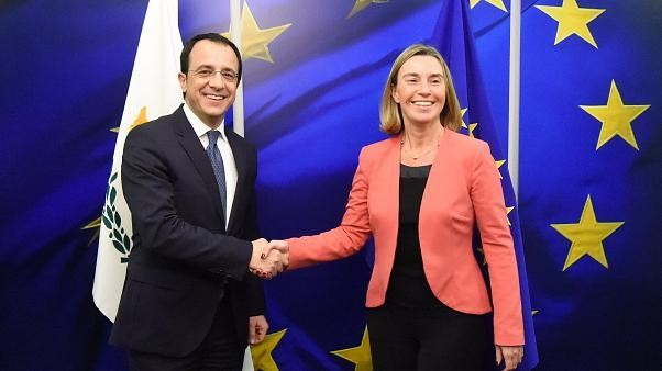 EU erwägt Waffenembargo gegen Ankara
