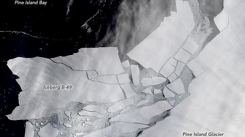 Two giant icebergs broke off Antarctica. Here's what that means for the continent's health.