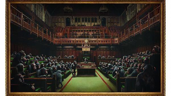 Bis zu €2.3 Mio.: Banksys 'Devolved Parliament' voller Affen wird versteigert