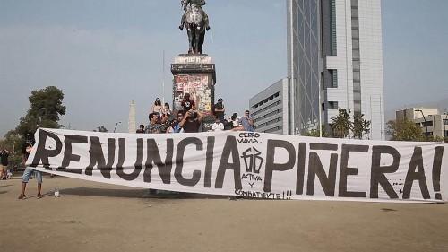 No Comment : des affrontements entre manifestants et policiers à Santiago au Chili