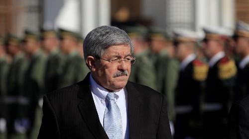 النائب العام الجزائري يحيل ملفات رئيسي وزراء سابقين إلى المحكمة