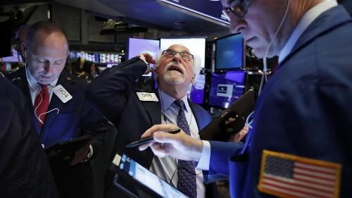 Coronavirus : pire séance en deux ans pour le Dow Jones à Wall Street