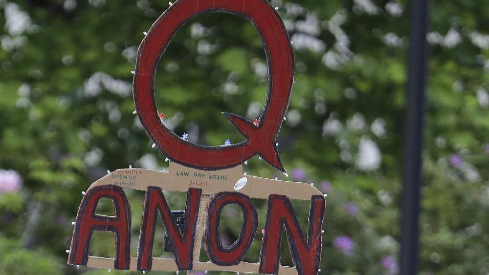 QAnon: между заговором и реальностью