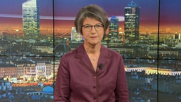 Euronews am Abend   Die Nachrichten vom 19. Juli 2019: #Merkels Sommer-PK, #GretaThunberg wieder in #Berlin, Erdbeben erschüttern #Athen, Urteil zum Massaker von #Srebrenica: #Niederlande begrenzt haftbar, UND: #Rigoletto auf dem Bodensee #Bregenz