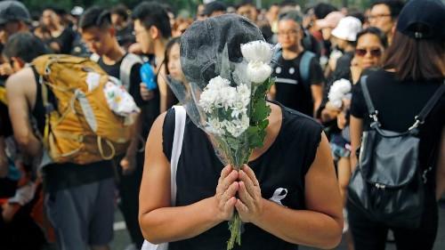 Demonstranten in Hongkong fordern Rücktritt von Lam