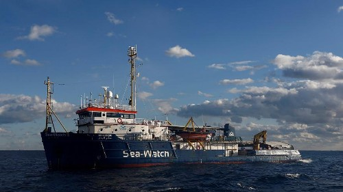 Keine Hilfe: Migranten ertrinken im Mittelmeer