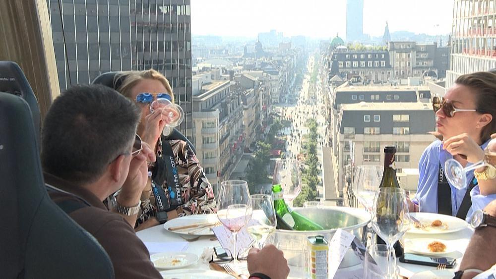 Dîner vertigineux dans le ciel de Bruxelles