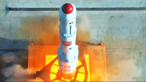 Corea del Nord: le (forse) vere immagini del lancio del razzo che ha fatto arrabbiare il mondo