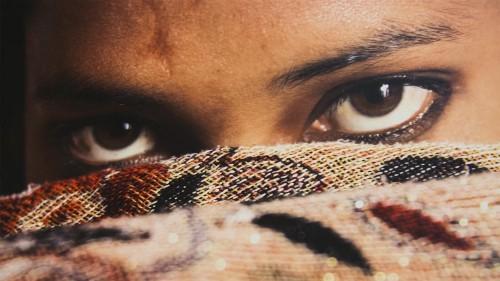 معرض ليزي سادان للصور الفوتوغرافية في غاليري سآاتشي في لندن