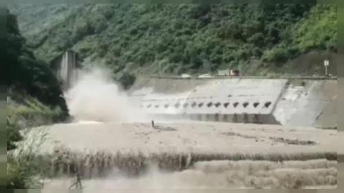 Operações de resgate na província de Sichuan