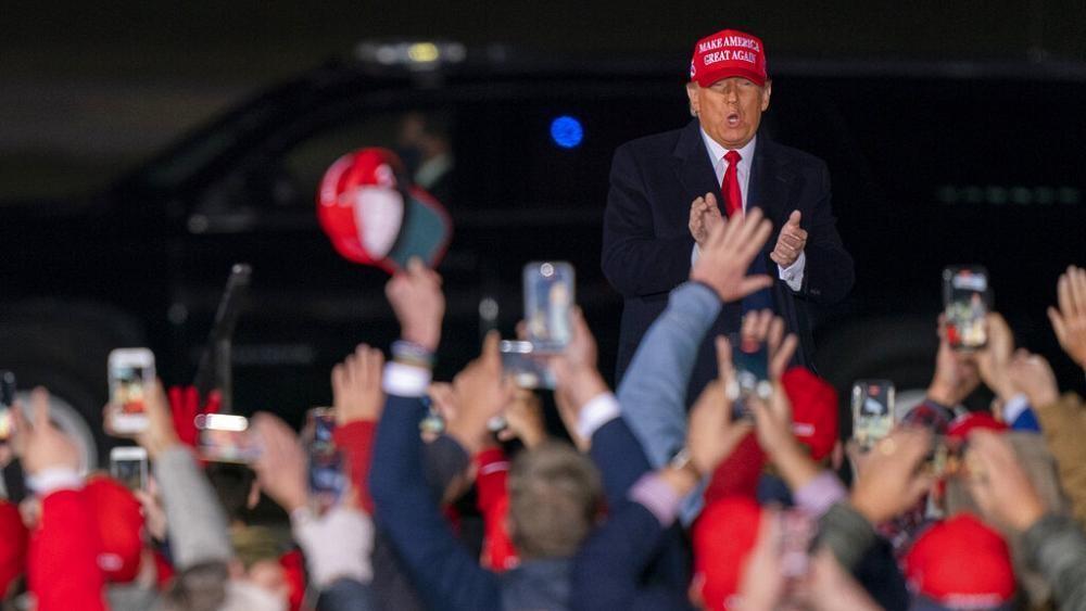 Im O-Ton: Das war Trumps Wahlkampf-Auftritt in Lansing, Michigan