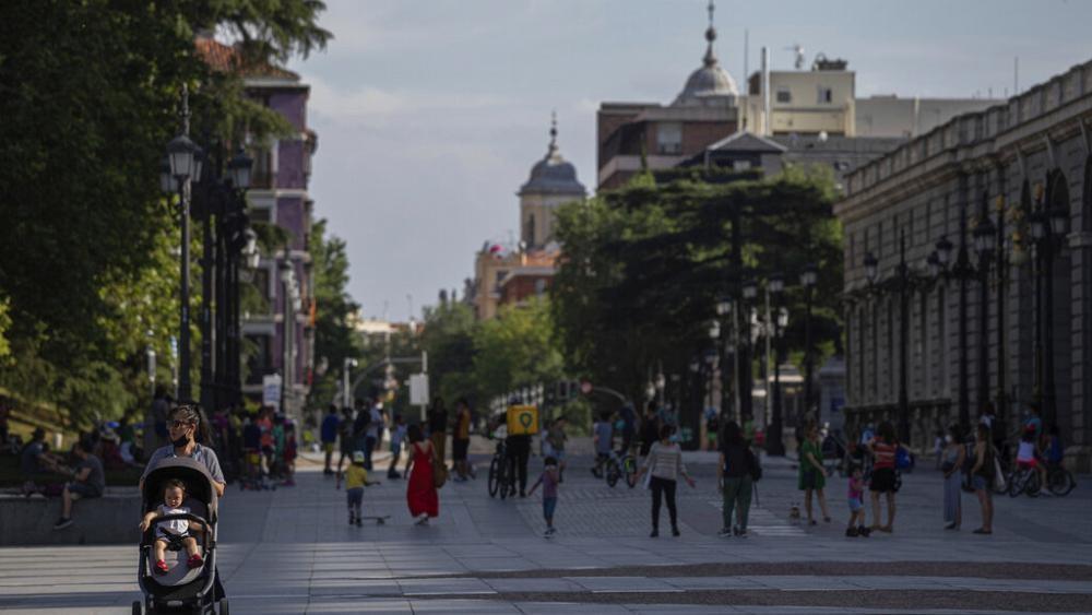 Снятие карантина в ЕС: новый глоток свободы в Испании и Франции