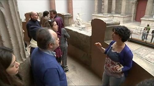 Berlino: rifugiati siriani guidano visitatori al museo