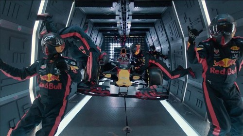 F1 team realises the challenge of changing tyres in weightlessness