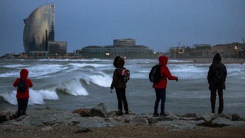 La tempête Gloria sévit encore en Espagne et se déplace vers le nord