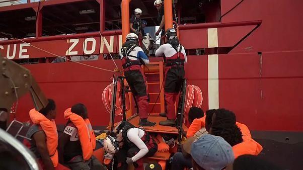 82 Migranten dürfen in Lampedusa an Land