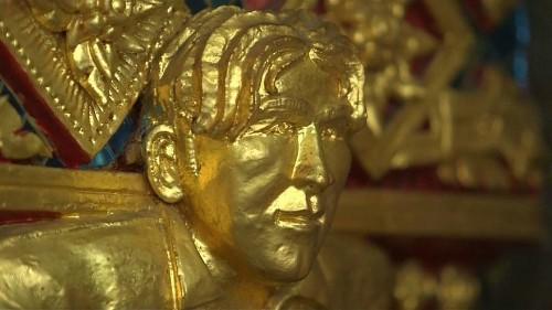 Watch: Tourists drawn to Thai temple's golden David Beckham