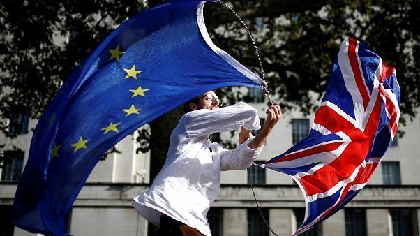 EU hat britischen Antrag auf Brexit-Verschiebung über 31.10. hinaus