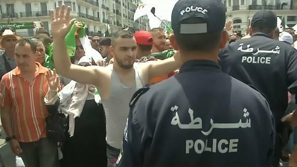 20e vendredi de manifestations anti-pouvoir en Algérie