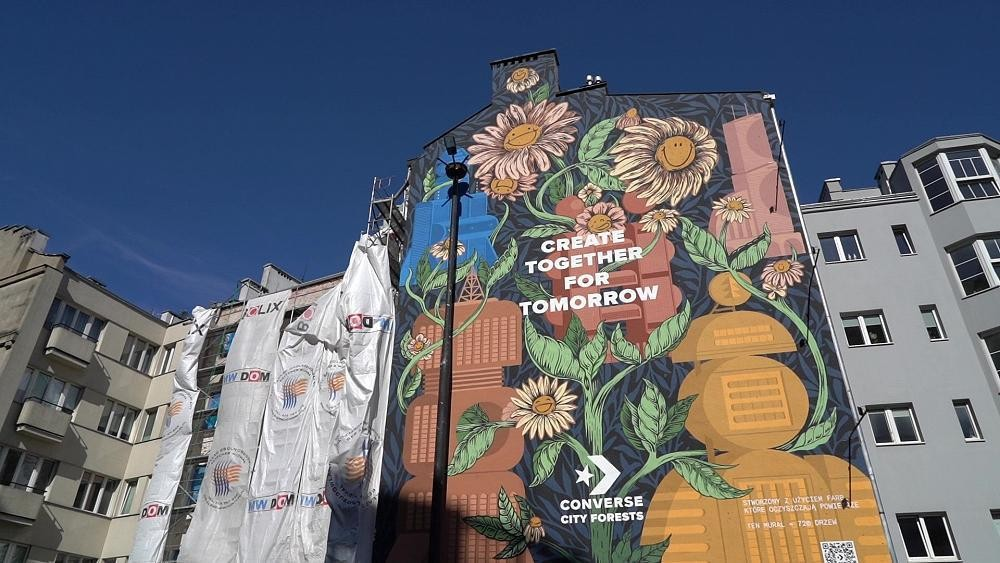 Smog-eating paint purifies air on this giant mural in Poland