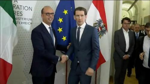 Austria warns Italy over influx of migrants