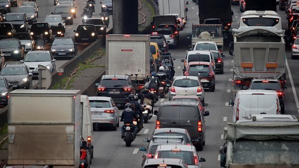 This Week in Pictures: France's transport chaos, COP25, Merkel's visit to Auschwitz, and more