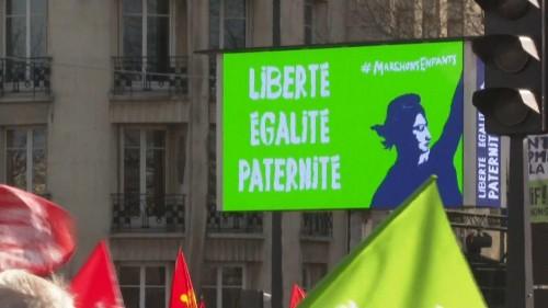 26 000 personnes marchent contre la PMA pour toutes à Paris