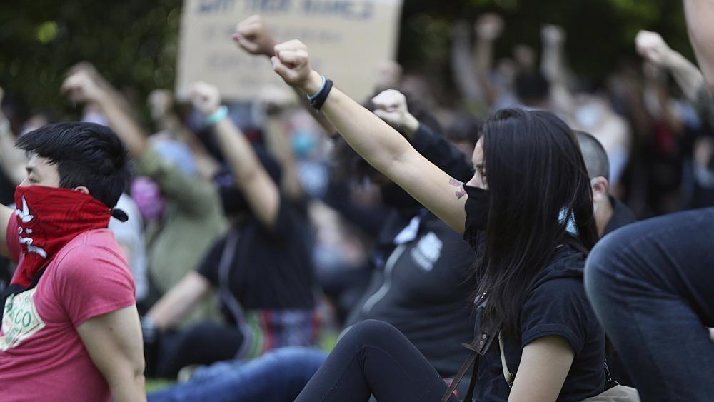 Etats-Unis : nombreuses manifestations pour dénoncer les violences policières.