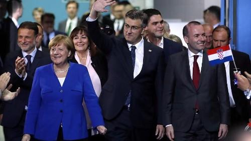 Противники евроскептиков митингуют перед выборами в Европарламент