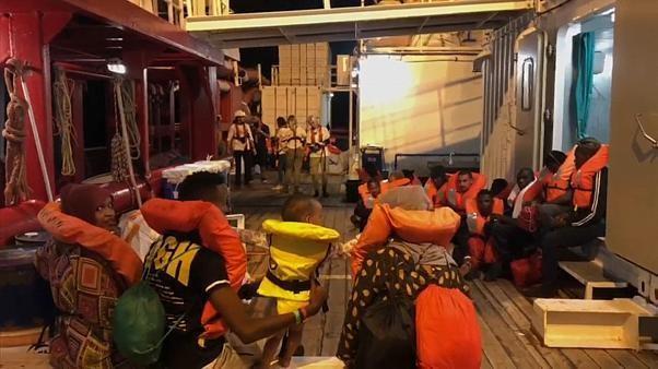 Italie : des migrants autorisés à débarquer à Lampedusa