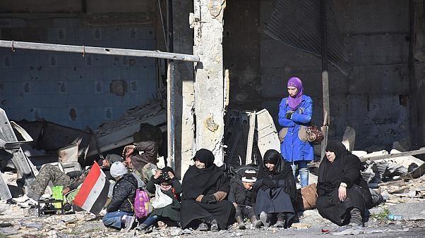 I civili di Aleppo est in fuga cominciano a parlare