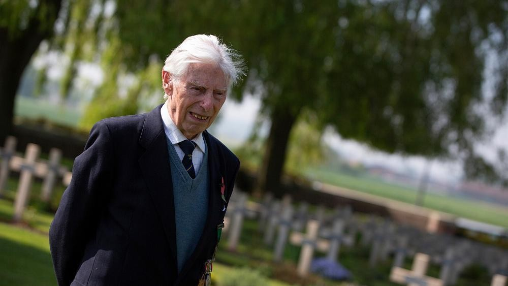 Talbot House: WWII veteran, 98, goes on VE Day walk to save former soldiers' club
