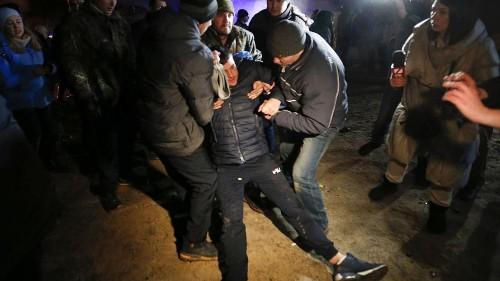 Covid-19 : tensions en Ukraine : manifestation contre des rapatriés