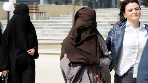 Syrien-Rückkehrerinnen in Kosovo unter Hausarrest