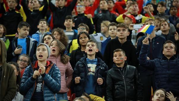 EM-Quali: 30.000 Kinder schauen Fußballspiel Rumänien gegen Norwegen