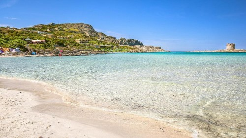 Sardinia to impose entrance fee on prized beach to tackle overcrowding