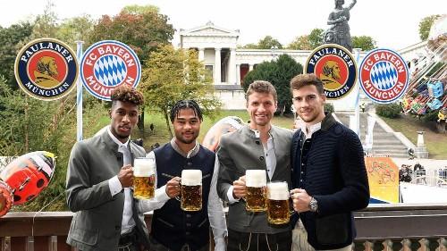 Bayern Munich drown their sorrows at Oktoberfest