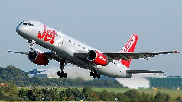 شركة طيران تحظر على مسافرة استخدام طائرتها وتطالبها بـ94 ألف يورو.. ما السبب؟
