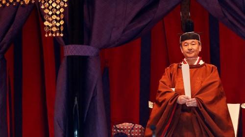 Naruhito, 126 empereurs du Japon, monte sur le trône du chrysanthème