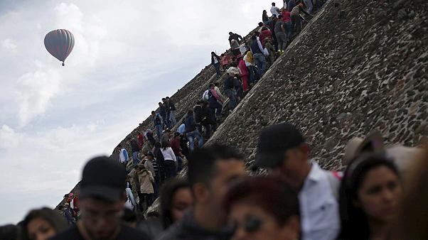 Thousands flock to Mexico's Pyramid of the Sun to mark spring equinox