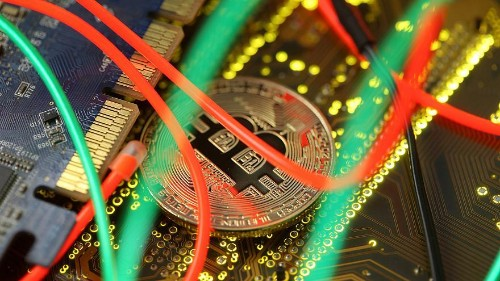 World's largest cryptocurrency takes a dive